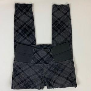 One 5 One Women's Gray & Black Plaid Leggings S